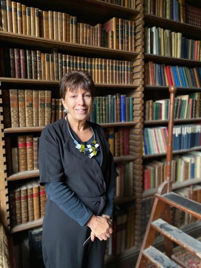 WHP Trustee Marilyn Scott in the library