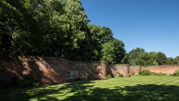 Read: Walled Garden Appeal